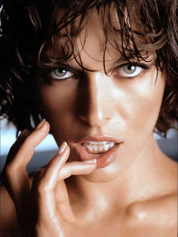 Milla Jovovich...when I close my eyes this is what I look ... милла йовович