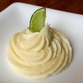 Aprende a preparar crema de limón para relleno con esta rica y fácil receta. En esta receta aprenderás a realizar una crema de limón para rellenos. Esta deliciosa...