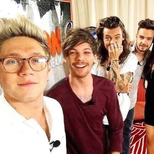 Harry's face makes me die inside!!