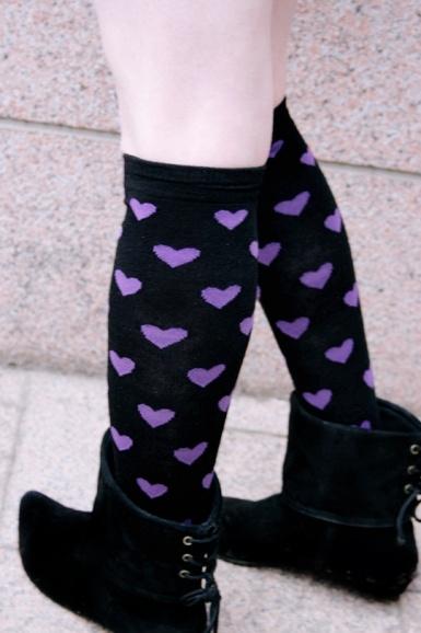 €4 KNEE SOCKS -HEARTS -BLACK/PURPLE,muutkin värit käy ja muista kaupoista!!