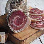 Pancetta (surowy suszony boczek zawijany)