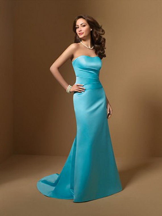 Strapless Dress With A Sweetheart Neckline And Pleated Natural Waist Line Skirt Sweep Train