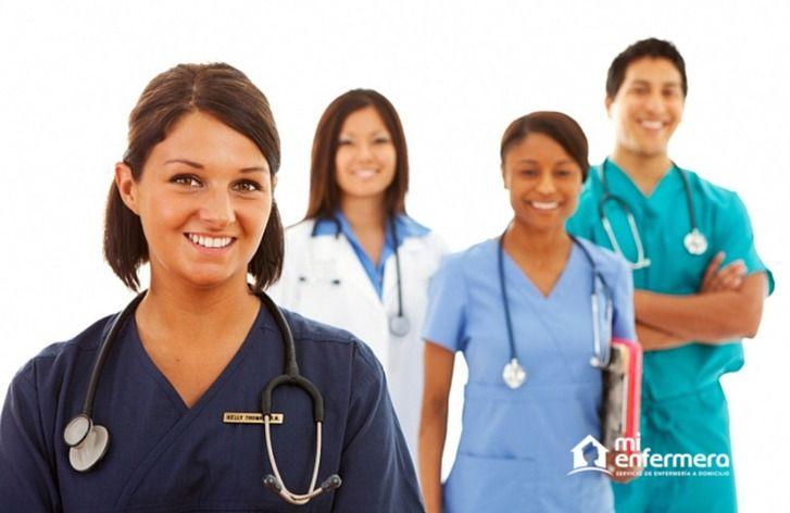 Las diferentes funciones de enfermeras, técnicas y auxiliares de enfermería,y cuidadores
