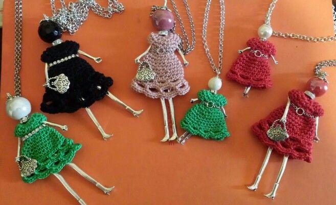 Bamboline con vestitino all'uncinetto