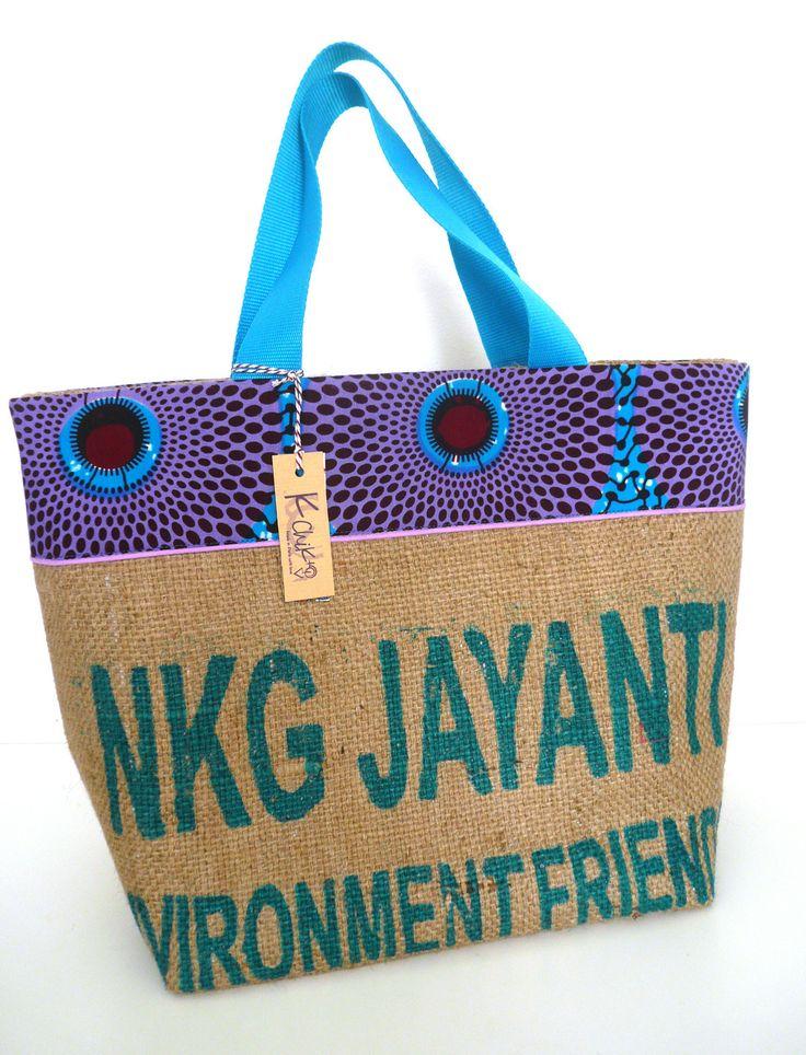 grand cabas en sac de café recyclé, wax bleu et violet, passepoil mauve : Sacs à main par k-chik