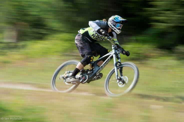 Claire Buchar #love #mountainbiking #mountainbike #fun #mountainspots #mountainsports #bike #travel #travelling #canada #extremesports #xtremespots @kovarikracing Ian Hylands