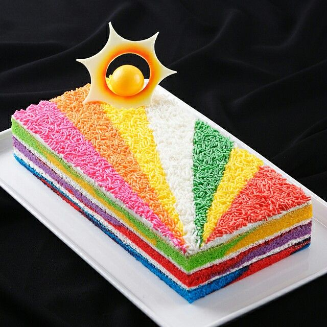 Rainbow in the rain of color... #tulipchocolate #chocolatecake