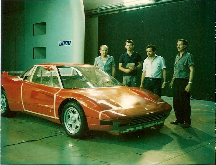 Rare photograph of the never-released Ferrari 408 4RM. This was the company's first experiment with AWD. Rossi, Cimatti, Oriello and Montosi.