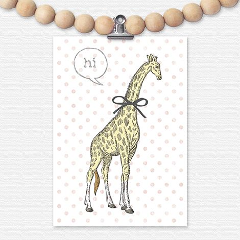 Gek op giraffen? Fleur je muur op met deze lieve giraffe! Het kaartje staat leuk in een lijstje, in een klembord, aan een woonketting of met washi-tape aan de muur.