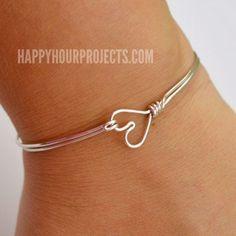 "DIY Wire Wrapped Heart Bangle Bracelet at <a href=""http://www.happyhourprojects.com"" rel=""nofollow"" target=""_blank"">www.happyhourproj...</a>"