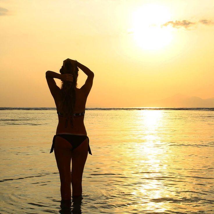 """""""Mi piace"""": 173, commenti: 9 - ☆ travel tales ☆ elisabetta ☆ (@freesoulontheroad) su Instagram: """"Sunset at Gili Trawangan - Lombok, Indonesia  #sunset #sunsettime #amazingsunset #gili…"""""""