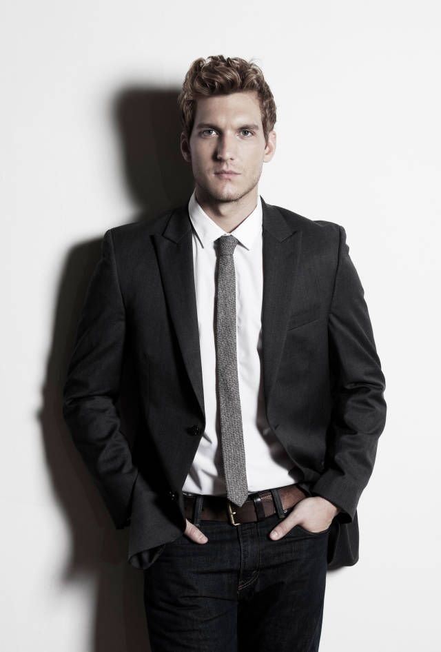 Scott Michael Foster Talks Hidden Talents & Stunt Doubles