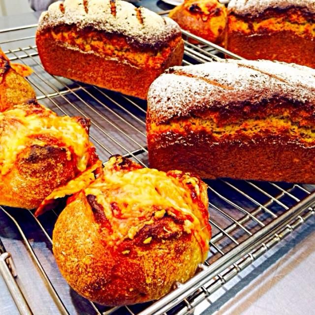 コンプレ♪ にんじんとチーズのパン♪ - 32件のもぐもぐ - 自家製酵母のパン教室 by 有山