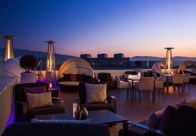Terraza del Renaissance Izmir Hotel.