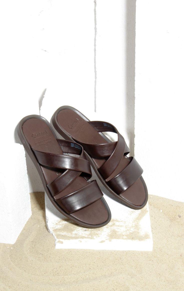 Classic flip-flop for summertime. #genuineleather #flipflops #mensfashion