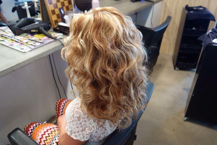 Vågigt hår med plattång! - ByMK