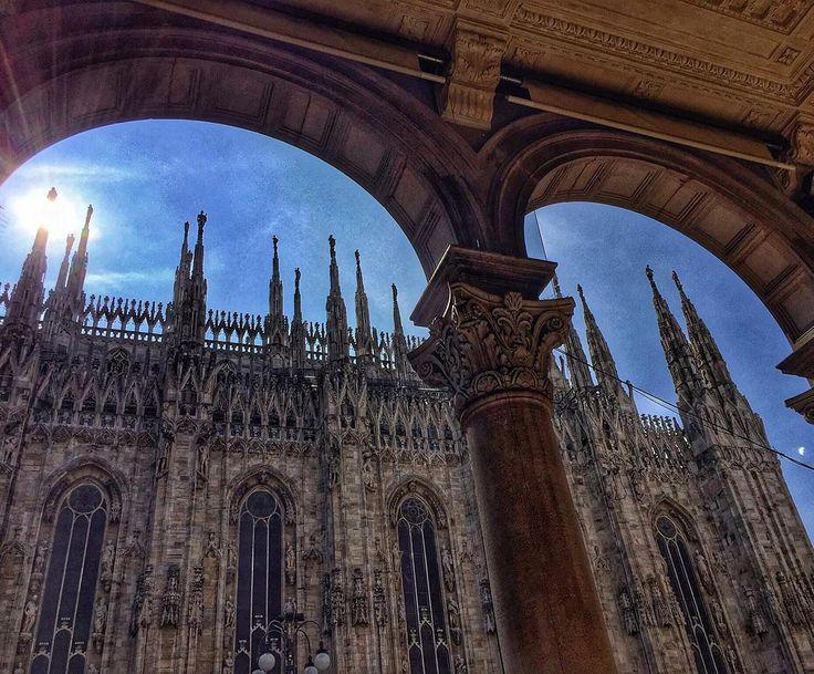 [Milan l'e' un gran Milan]#milano #igersmilano #igerslombardia #pointofview #lombardia #milanocity#milanodaclick #milanoexpo2015 #milanodavedere #milanocityufficiale #milano2015 by davideaurz