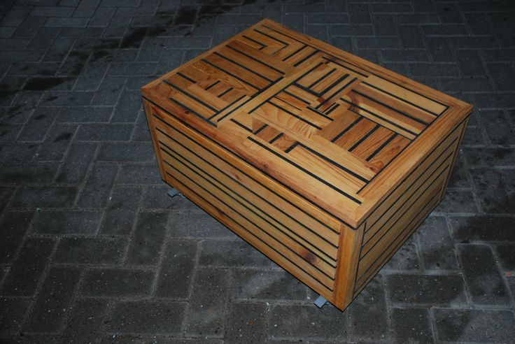 """verrijdbare salontafel """"linea recta"""". met push to open ladeblok. 70cm x 50cm x 40cm"""