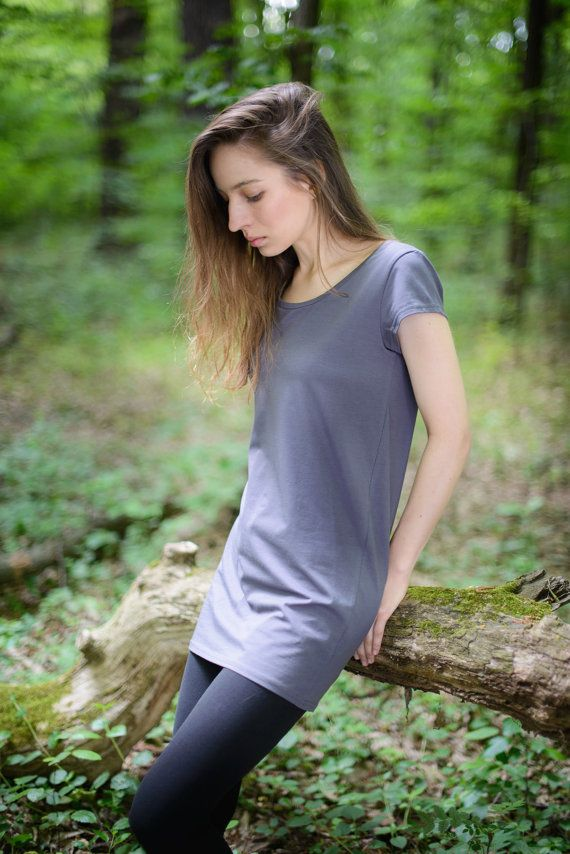 dark gray tunic made from organic cotton and 5% by SISSorganic