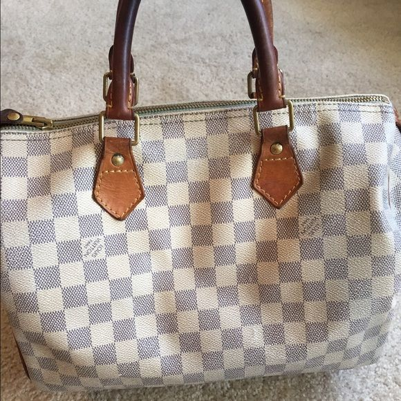 Auth Louis Vuitton Speedy 30 Damier Azur Timeless piece from Louis Vuitton. Shows scuffing, creasing, staining and discoloration. There is scuffing and tarnishing to the hardware. The inside shows significant staining throughout. Louis Vuitton Bags Satchels