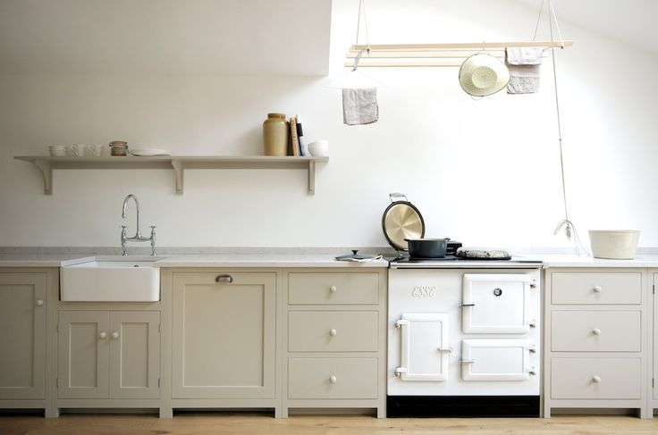 The Real Shaker Kitchen by deVOL in a lovely townhouse in Kew