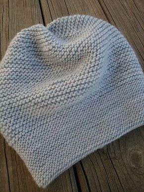 Easy, quick-to-knit hat, free pattern available to download