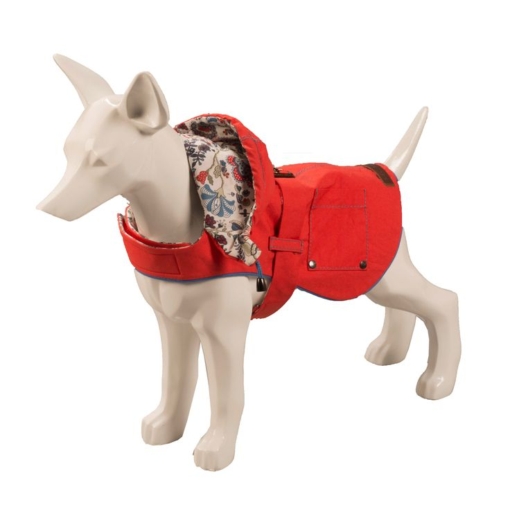 Let your dog weather the elements in style with this standout Hampstead Liberty Print Hooded coat by British brand Baker & Bray. This waterproof dog coat is a winter essential for every hound with urban style.