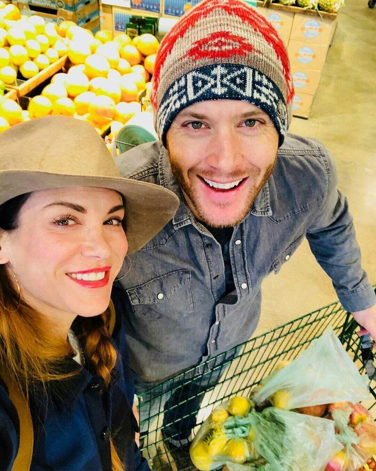 Jensen & Daneel shopping, Christmas Eve '17