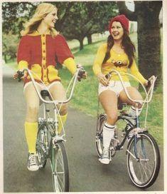 Belle femme du 27 sort avec son vélo customisé sur www.velocustom.eu