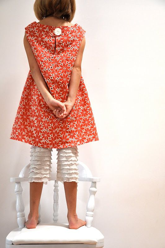 I know this is a tutorial for a sweet pair of ruffled bloomers, but this orange dress is my style! Want to find a pattern for this and sew myself SEVEN - one for each day of the week in the summer. Can be layered with a t-shirt under, cardi over, and tights and boots for winter too!
