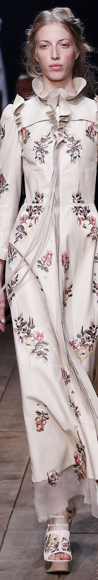 Alexander McQueen Collection Spring 2016 Ready-to-Wear ...