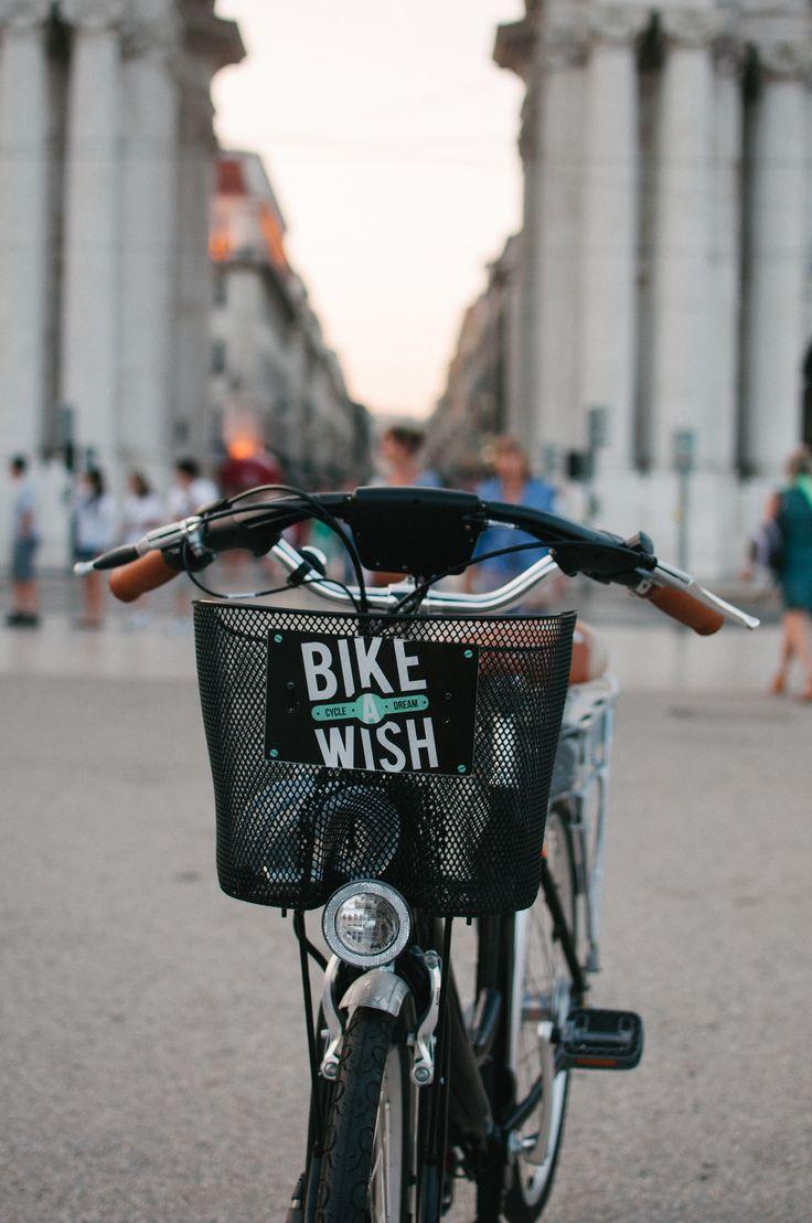 #ebikes #lisbon #bikeawish #pracadocomercio