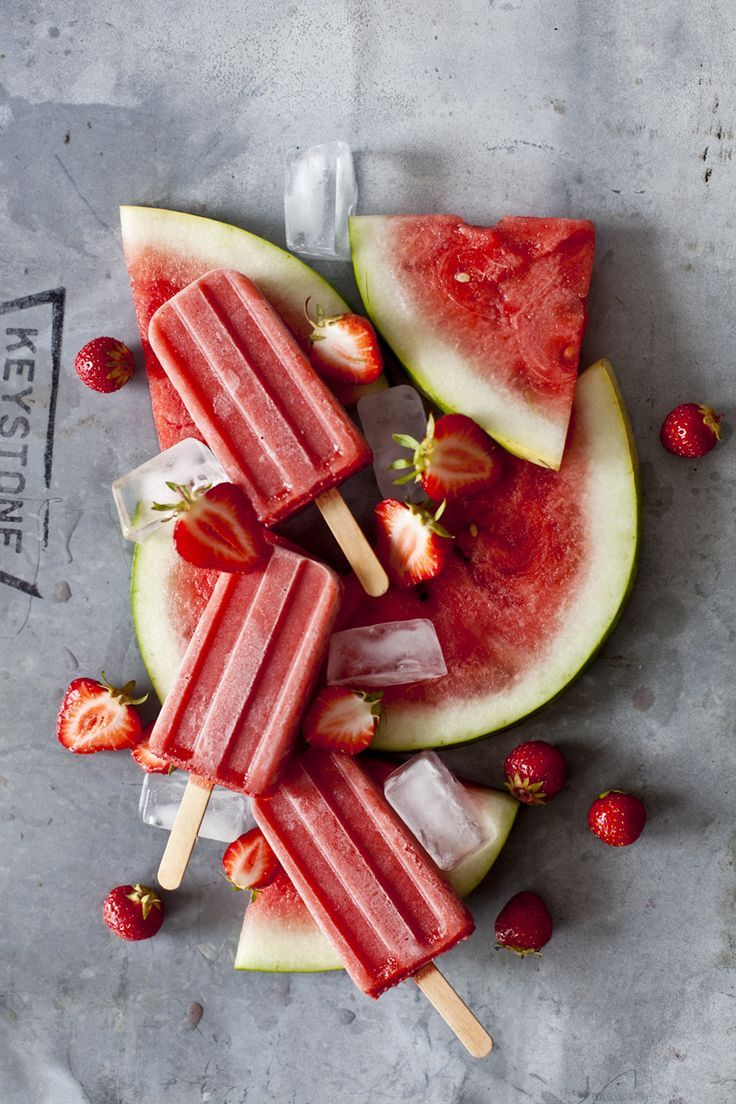 strawberry and watermelon popsicles | emiliemurmure.com