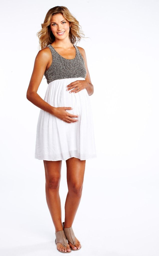 Hello, mom-to-be, and welcome to your summer pregnancy! On the one hand, there's the heat to contend with, which isn't the world's biggest plus. But on the other hand, a summer pregnancy calls for summer maternity clothes, and let us tell you: They are pretty darn cute. From fitted sheaths.