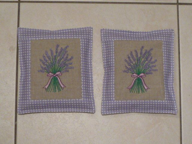pads with dried lavender