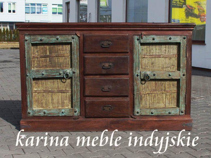meble kolonialne - komoda ze starymi indyjskimi drzwiami.