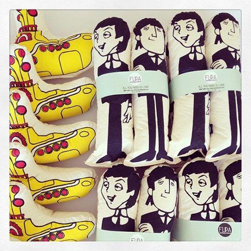 Tela Crea Cruda 100% Algodón Relleno Algodón Sintético Estampado Serigrafía Incluye los 4 Beatles