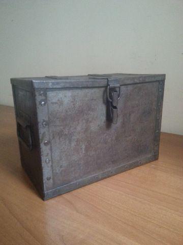Caja militar metálica | La tienda de Etxekodeco http://etxekodecoshop.es/catalogo/caja-militar-metalica/
