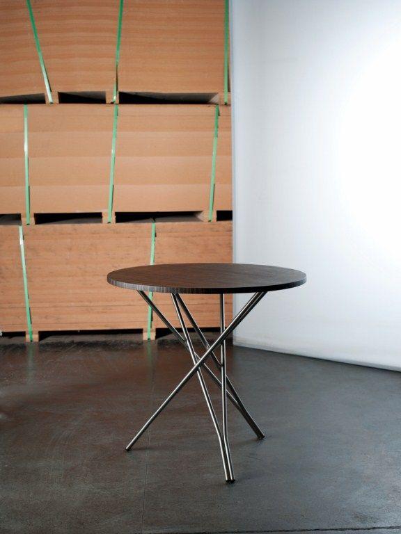 Mesa patas metal y cubierta madera
