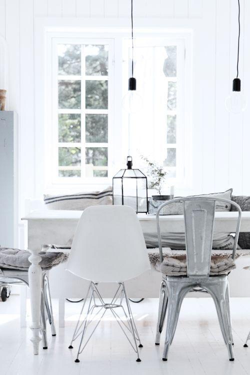 Mix & Match Eettafelstoelen. Zoals Legend Cafe stoelen en Essence Metal stoelen, een prachtig stel samen! www.gewoonstijl.nl