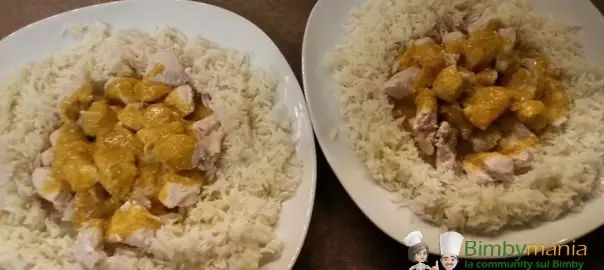 Riso con pollo al curry Bimby, un piatto unico che si prepara velocemente e facilmente con il Bimby! Ingredienti: 250 gr di riso basmati, 500 gr di pollo...