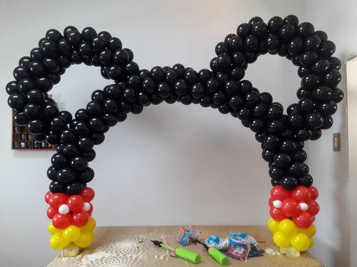 arco de baloes, bolas, bexiga do mickey mouse super facil e barato usando bambole, tutorial passo a passo