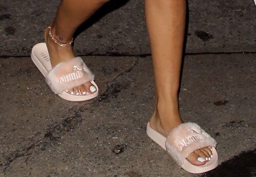 fb38d2cc49d Pinterest: ilovevg Instagram: vis.givans | All things shoes | Furry sandals,  Puma slippers, Shoes