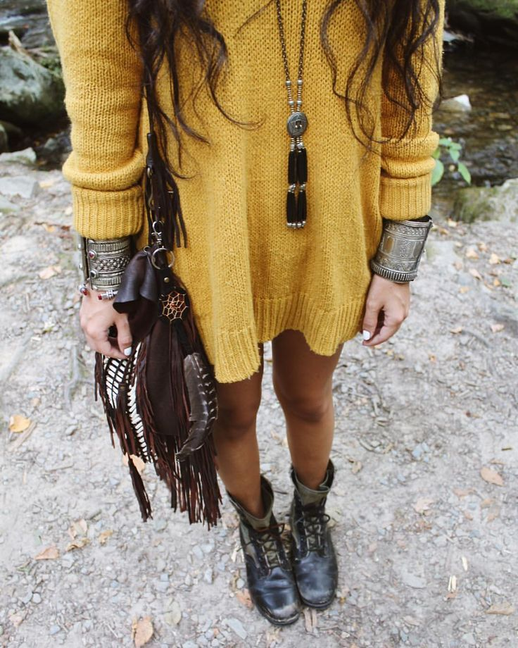 Perfect boho-style for fall with this knitted yellow dress.
