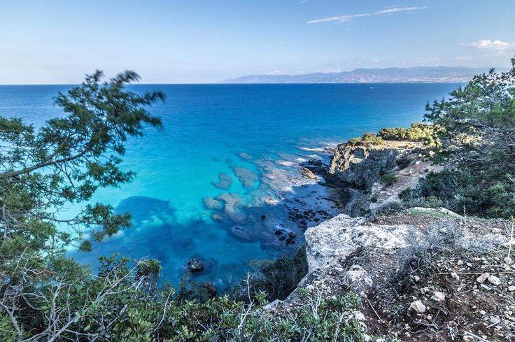 Półwysep Akamas na Cyprze  Jak tam jest cudnie! Można tak siedzieć godzinami i wpatrywać się w morze mieniące się wszystkimi odcieniami niebieskiego   #Cypr #Cyprus #Akamas #Sea #Travelgram #Wakacje #InstaTravel #Travelplanet #Traveluje #Podróże #Morze #VisitCyprus #cyprus2017 #Travelphotography #Instapassport