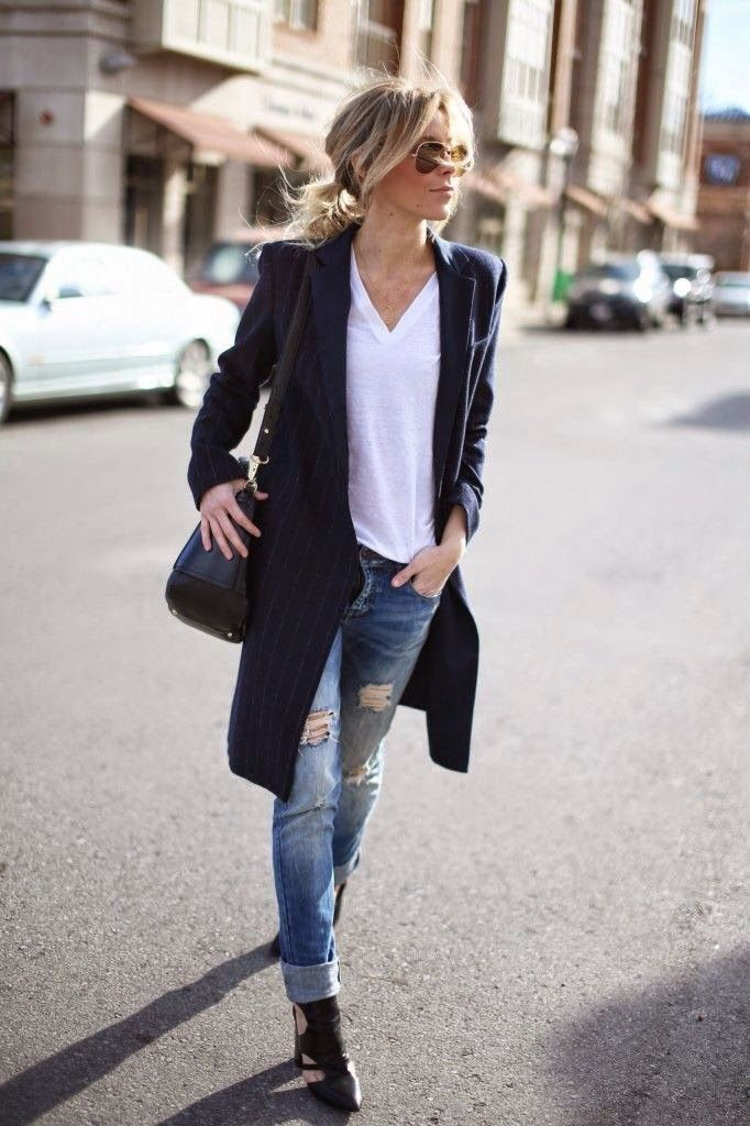 Boyfriend jeans white tee long blazer in navy