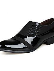 Masculino-Oxfords-Sapatos formais-Rasteiro-Preto-Pele-Casual Festas & Noite