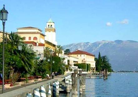 30 Ottobre - 1 Novembre: Gardaland, Mantova, Lago di Garda, Verona, tra natura e storia, cultura e divertimento...a soli 270 € a persona