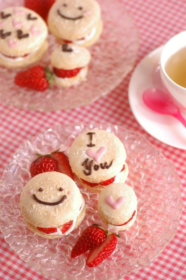 イチゴ&ホイップサンドのブッセ♡チョコレート飾り♡ by Sorari | レシピサイト「Nadia | ナディア」プロの料理を無料で検索