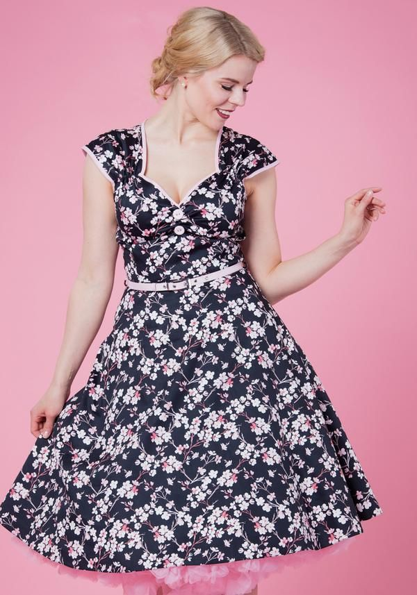 Cherry Blossom Isabella 50-luvun mekko  8efb57451e